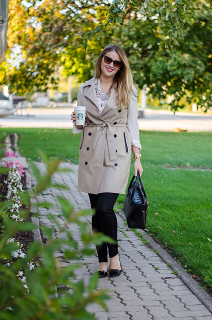 Rose-City-style-guide-fall-fashion-Rose-City-STyle-Guide-Ann-taylor-Sleeveles-trench-dress-fall-outfit-ootd-fall-style-fashion-canadian-style-blog-blogger-plaid-scarf-jcrew-necklace5