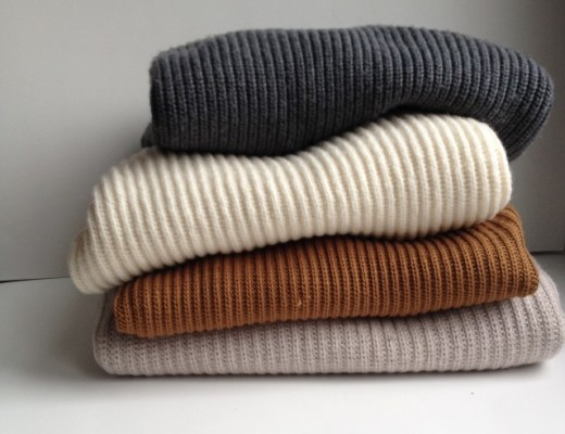 rosecitystyleguide-aritzia-sweaters-myaritizia-canadianlifestyleblog-canadianstyleblog-canadianfashionblog-rosecitystyleguide-windsor-ontario-outfits-fashion-lifestyle-beauty-trends-shoppping-ootd