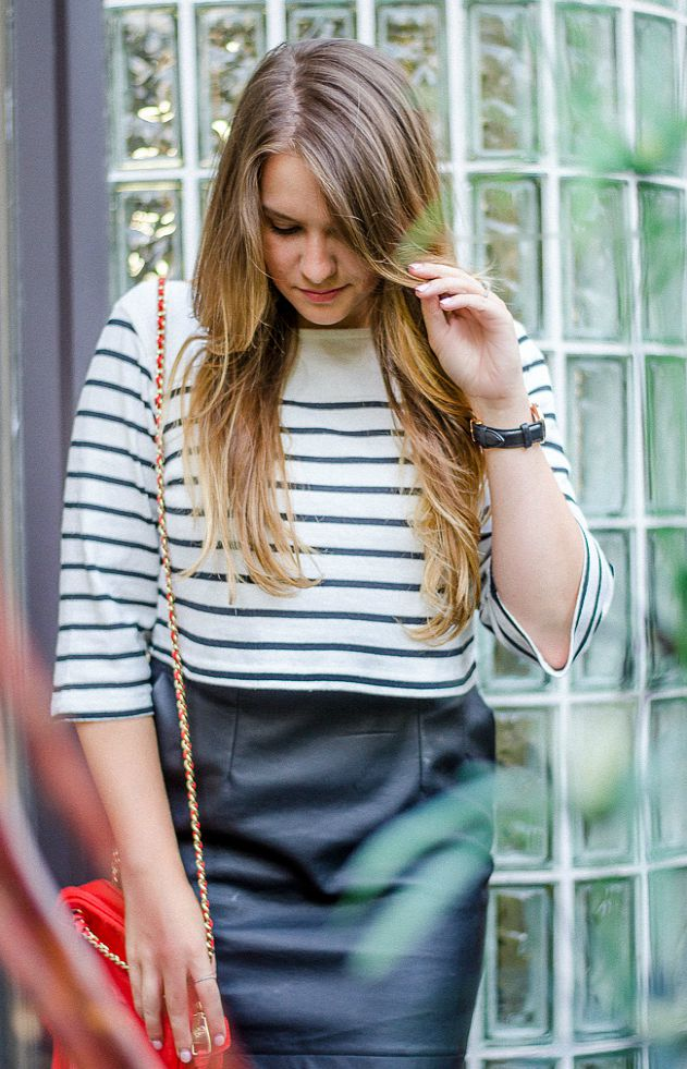 summer-night-out-rosecitystyleguide-outfit-leather-mini-striped-croptop
