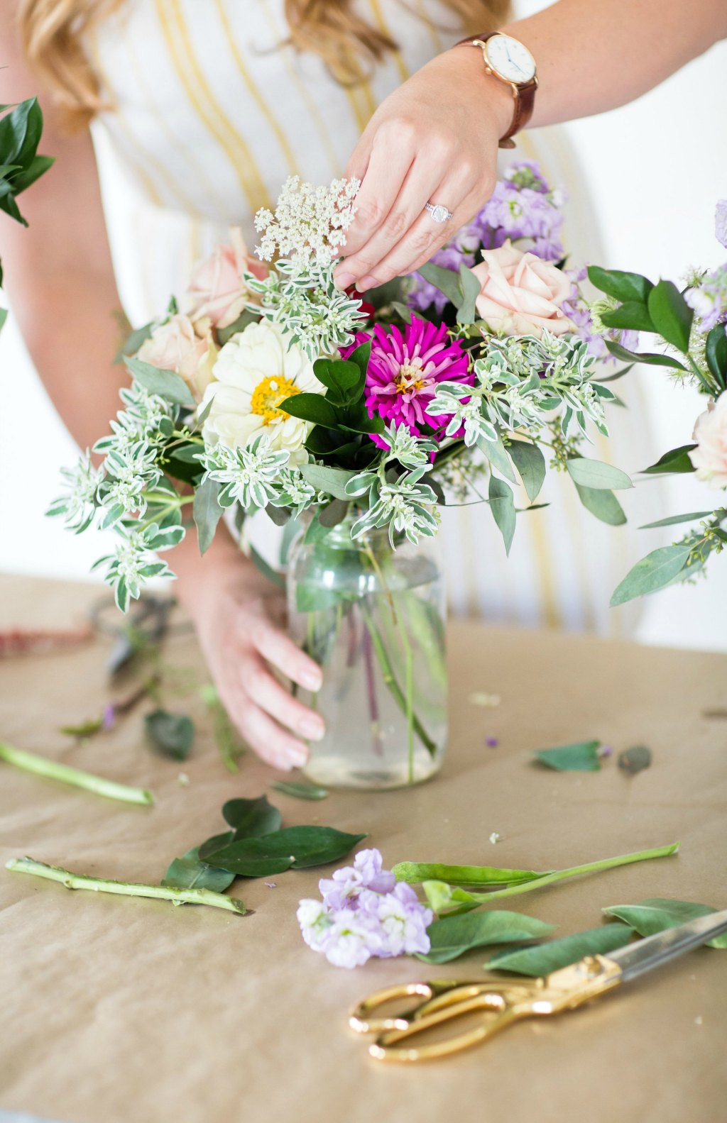 how-to-style-a-simple-flower-arrangement-rose-city-style-guide-bourbon-rose-floral-design-co-lifestyle-canadian-blog-16
