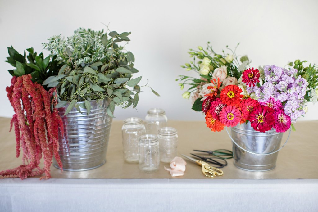 how-to-style-a-simple-flower-arrangement-rose-city-style-guide-bourbon-rose-floral-design-co-lifestyle-canadian-blog