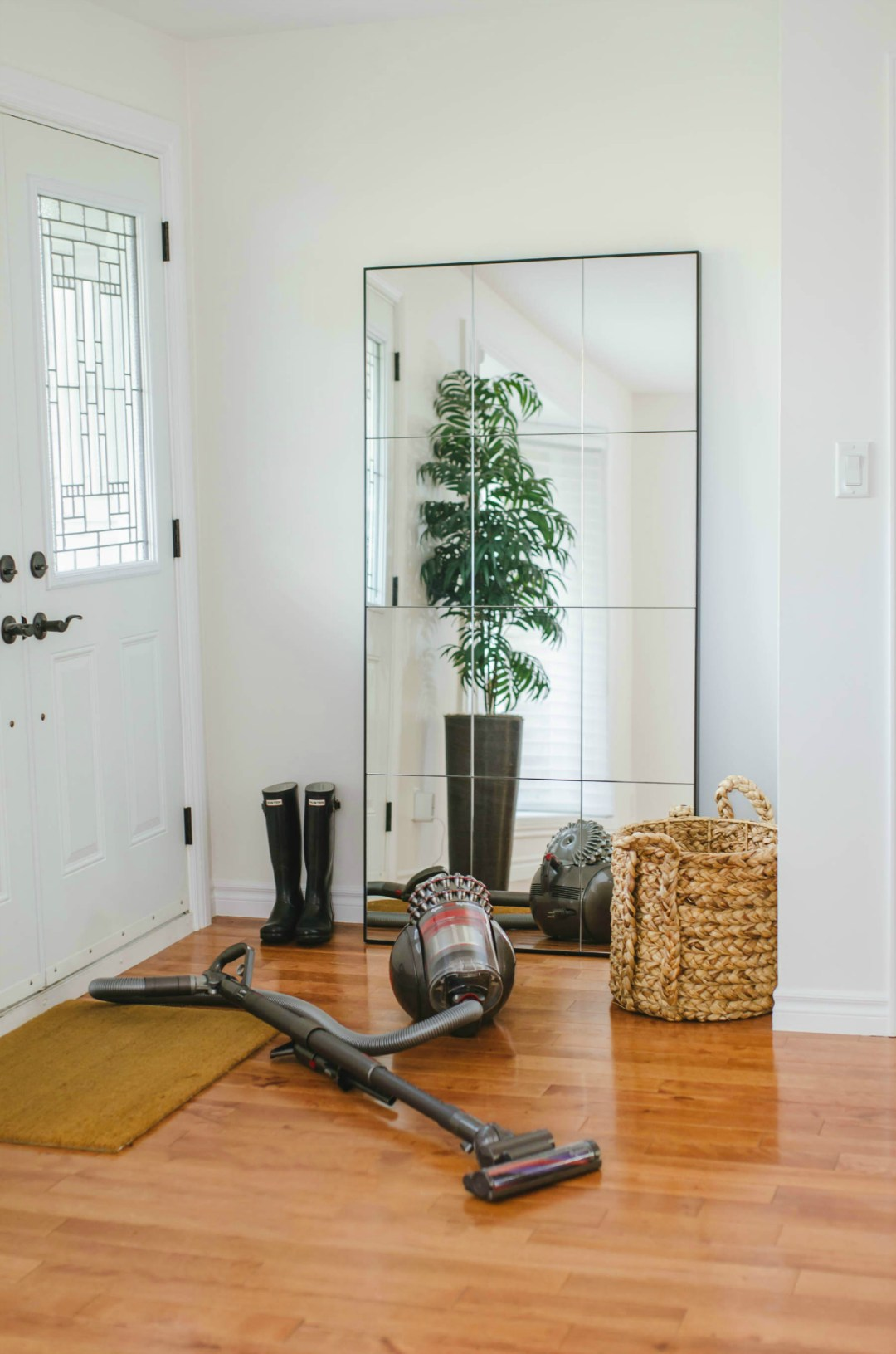 simple-quick-entertaining-tips-dyson-vacuum-home-outfitters-lifestyle-blog-rose-city-style-guide