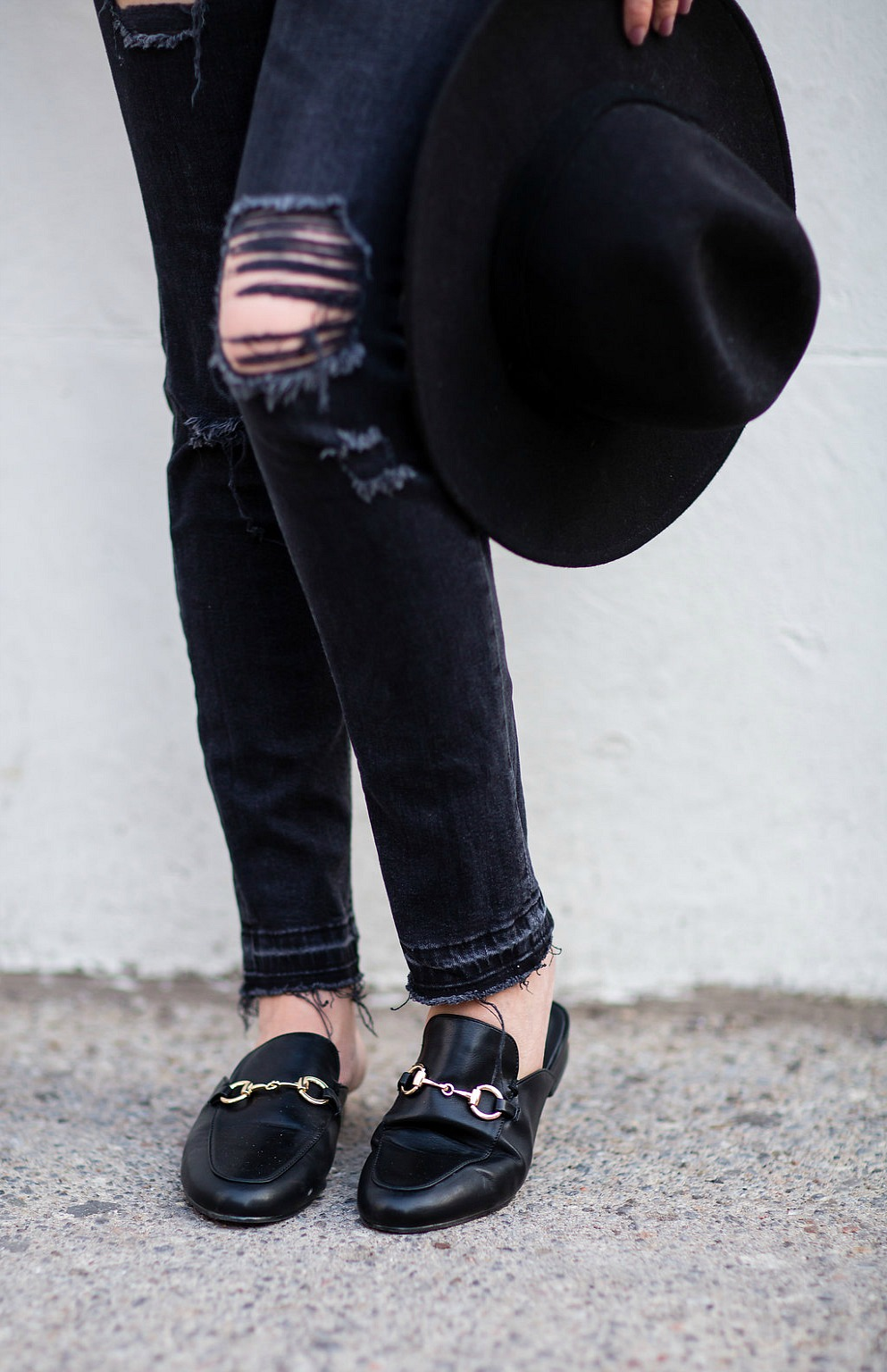 88ab5d48f33 Fall-outfit-black-leather-jacket-felt-hat-artizia-top-gucci-loafers -rosecitstyleguide-3
