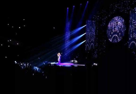 Mariah Carey in concert, Paris.