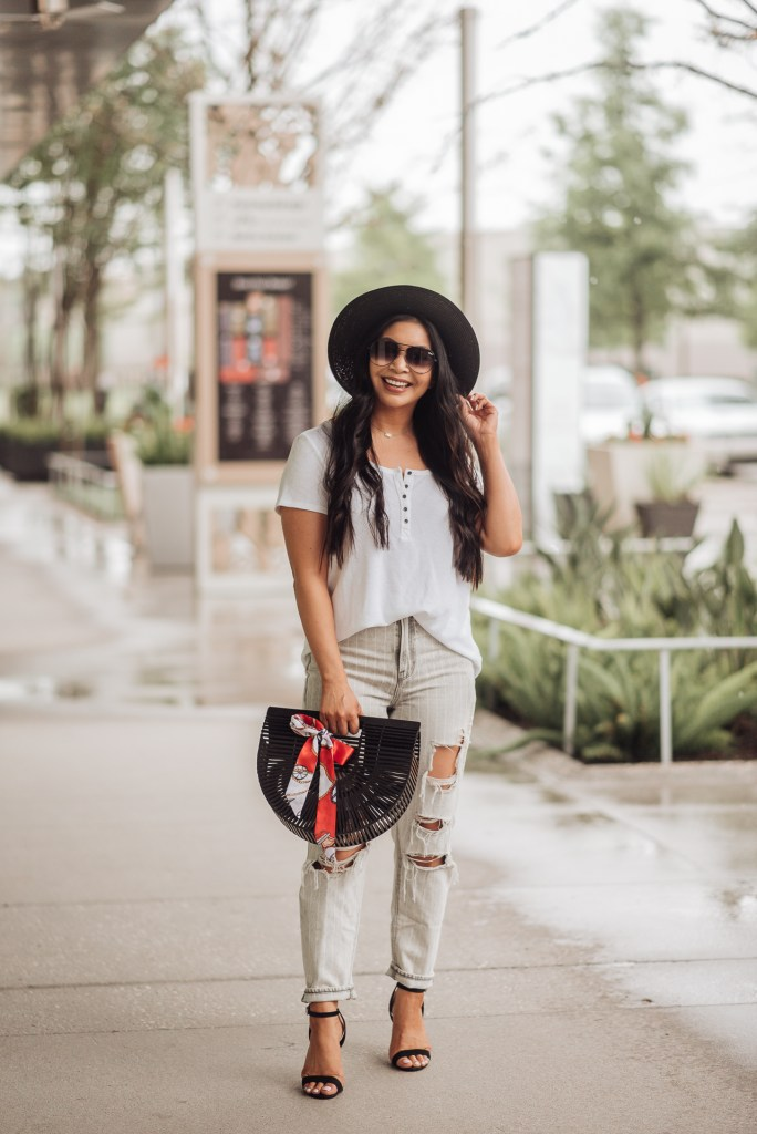 chic-mom-outfits