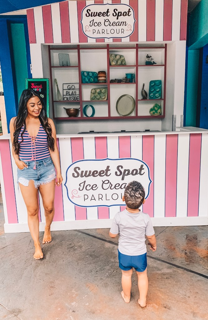 woodlands-ice-cream-shop