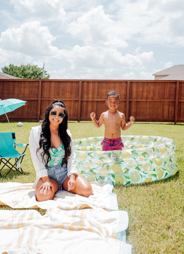 backyard-pool-party
