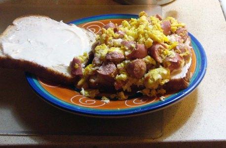 Scrambled Egg & Vienna Sausage Sandwich (5)