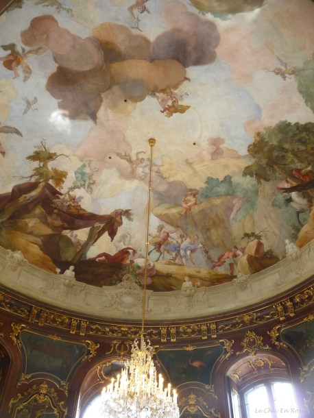 The paintings on the ceiling of the pavilion are wonderful!