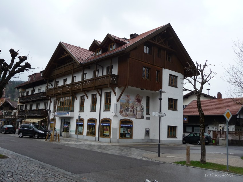 """Painted frescoes """"Lueftmalereien"""" on the houses in Mittenwald"""