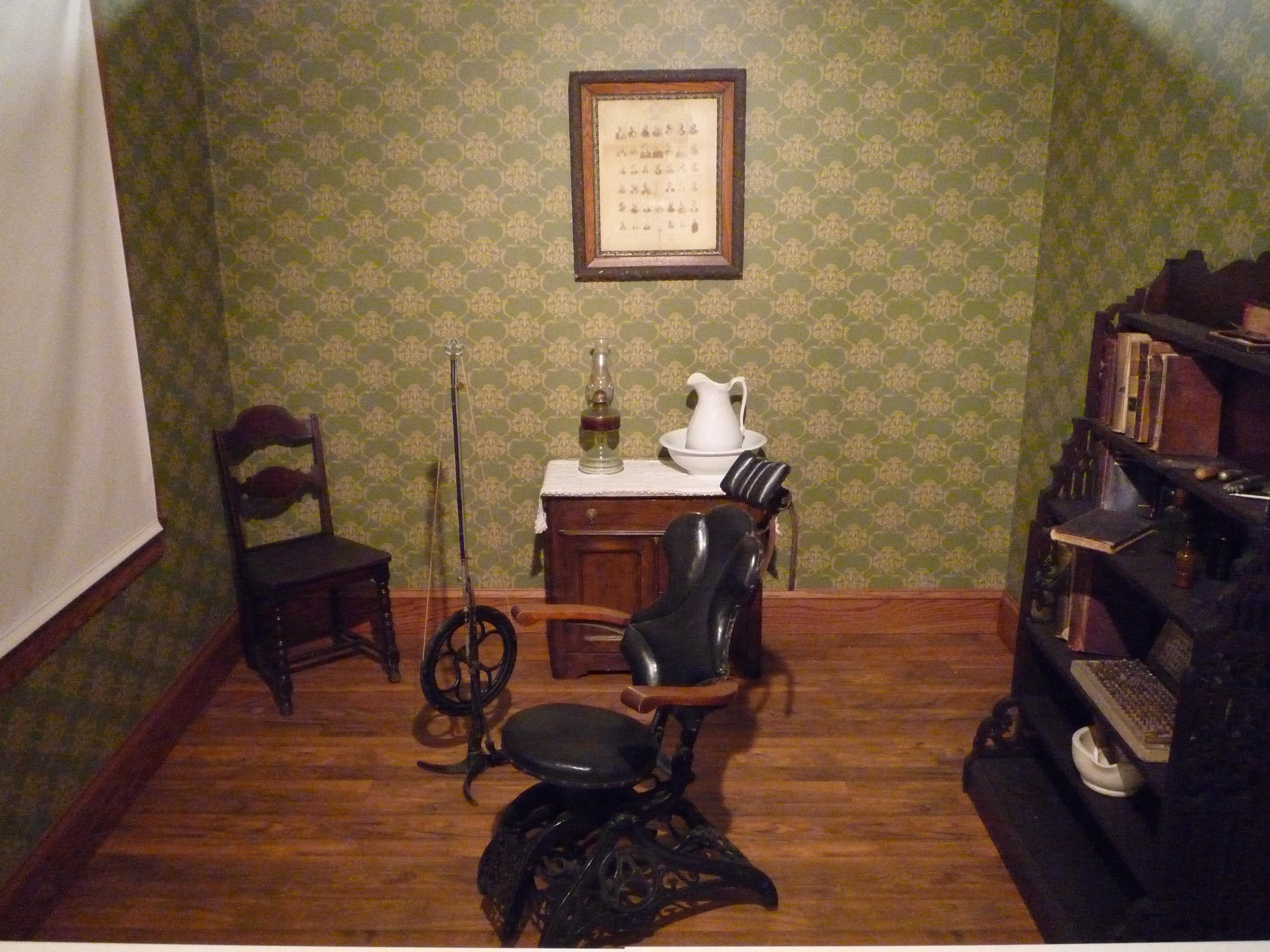 1895 Dentist's Office
