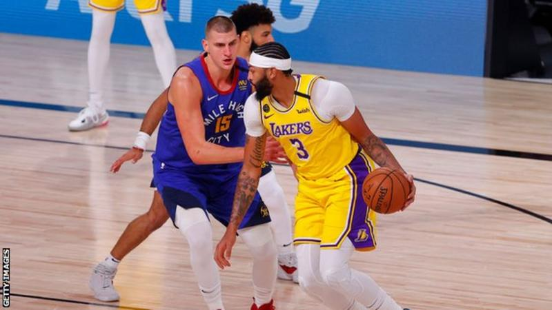 NBA: les Lakers de Los Angeles dominent les Denver Nuggets pour aller 1-0
