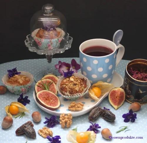 Haferflocken Törtchen mit blauer Teetasse