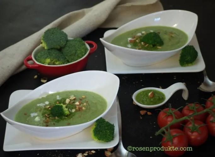 2 Schüsselchen mit Brokkolisuppe