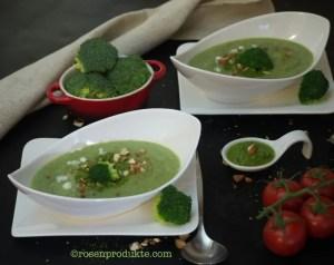 Brokkoli-Suppe  in länglicher Schüssel