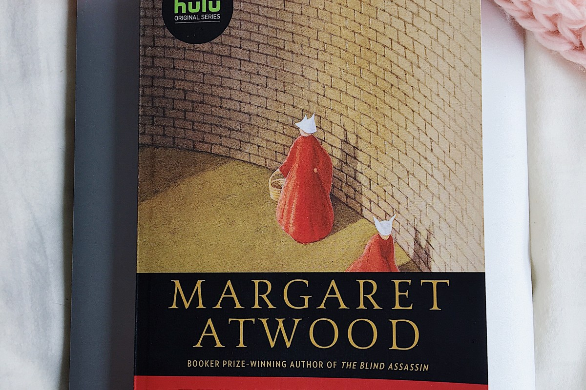 Review & Discussion: The Handmaids Tale by Margaret Atwood (non-spoiler)