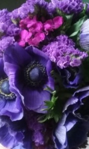 spectacular-purple-wedding-flowers
