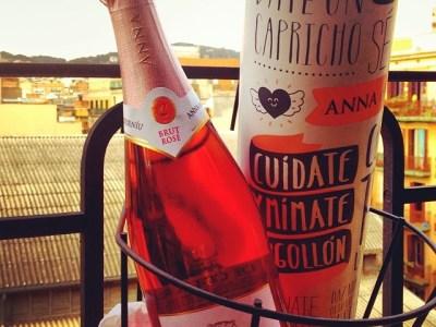 Muchos brindis y millón de gracias por esta botella de Anna de Codorniu!!