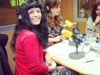 A les 22h seré a Catalunya Ràdio per parlar de dobles vides a #miliunanits