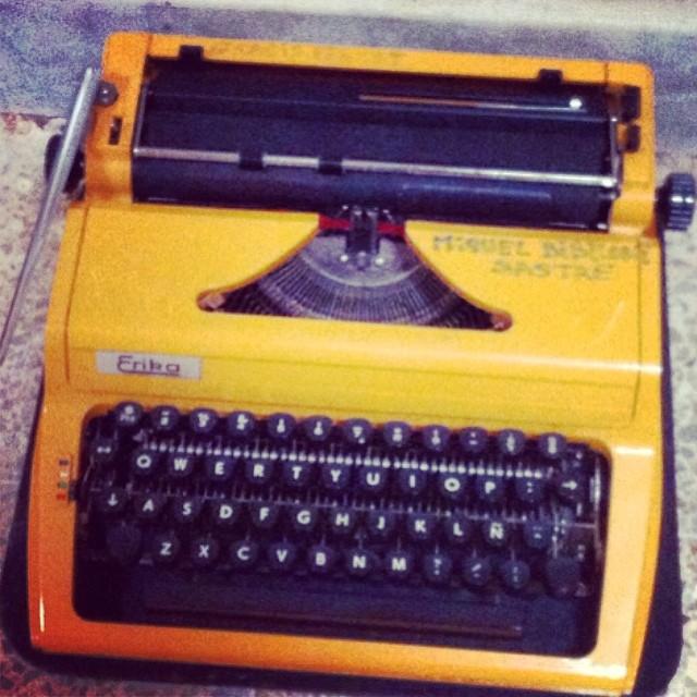 Maquina de escribir de roser amills