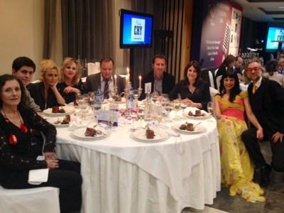 #Premiosapei2014 i la taula més reeixida ;)) Ariadna Oltra, Víctor Amela, Silvia Tarragona i Marta Angelat