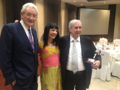 GALA   Luis del Olmo entrega el Micrófono de oro a Bieito Rubido, director de ABC punto radio