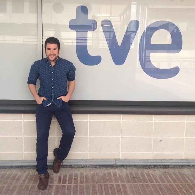Amb Víctor Clares avui ho passarem bé a Vespre a La 2!!!