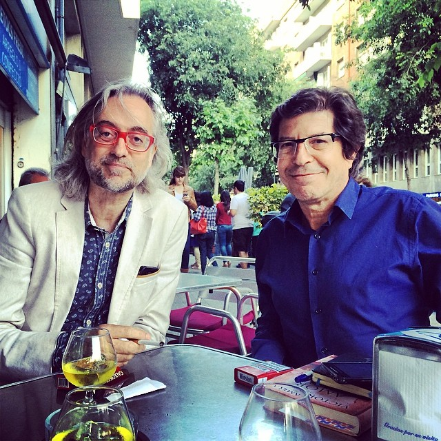 Dos grandes van a hablar de #amorcontraroma ahora! Joaquín Luna y @victoramela ;))