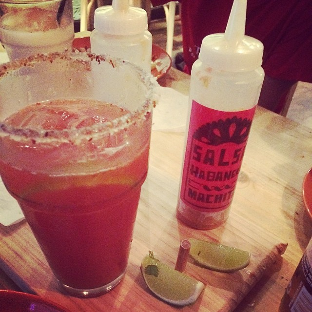 bloody mary con salsa muy picante