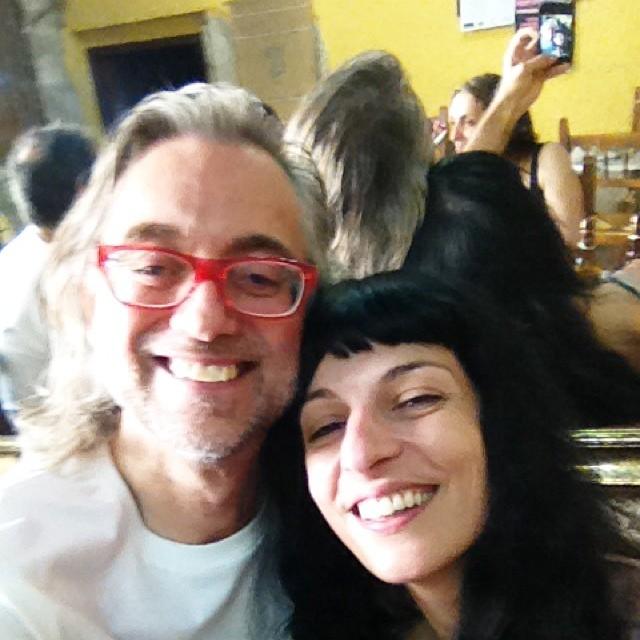 selfie de victor amela y roser amills en matarranya