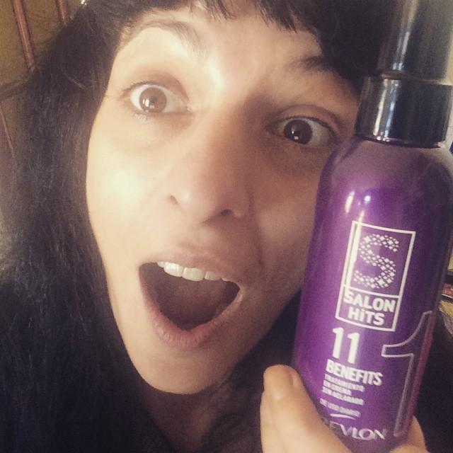 Indirecta pillada, voy a probar #11benefits de Revlon con mis pelos, gracias por el regalo!! ;))