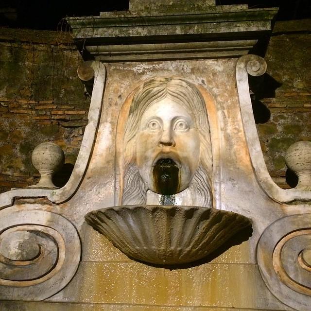 Otra boca de la verdad, en el Trastevere :))