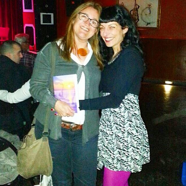 Acabo de firmarle el primer ejemplar a Sonia, gran lectora! #elecuadordeulises queda en buenas manos ;))
