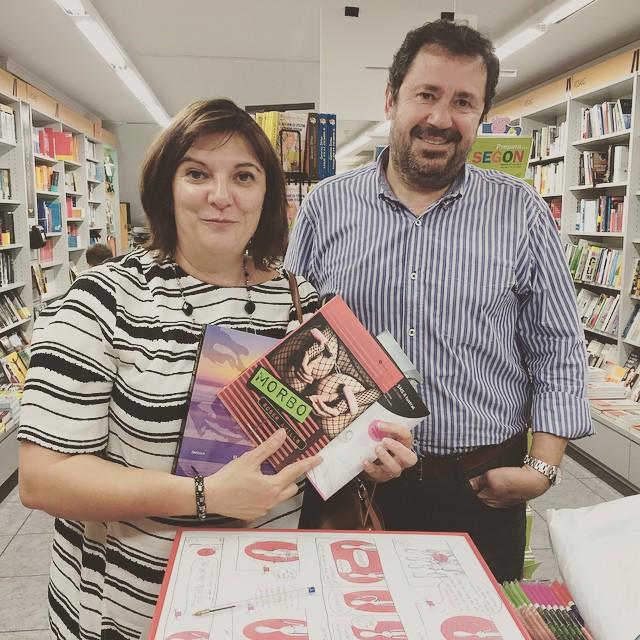 Padres lectores que compran libros para sus lectores hijos 💕 #elecuadordeulises #morbo