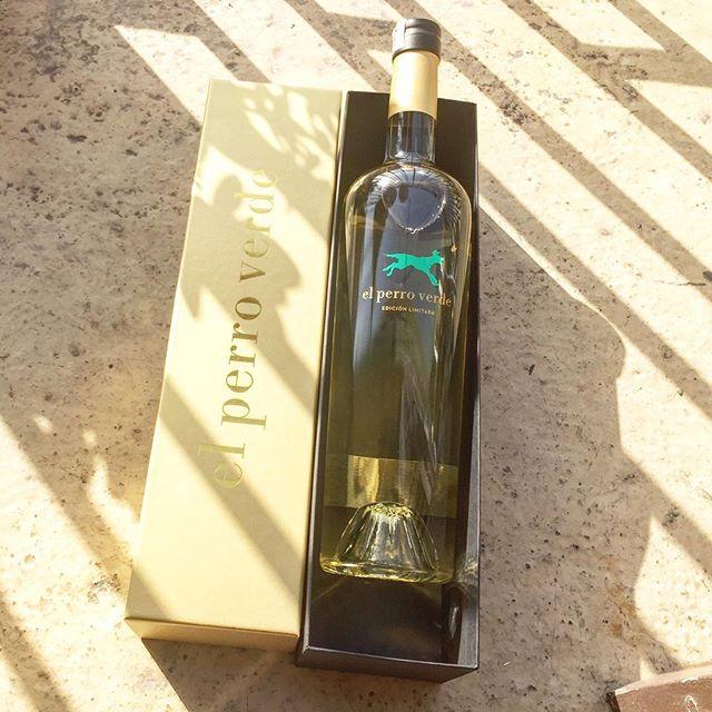 Qué alegría celebrar con #elperroverde su 10° aniversario cristalino, fresco y vibrante ;))