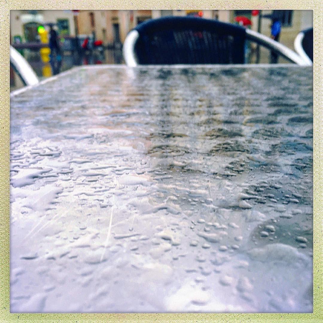 """""""Cuando trates con el agua consulta primero la práctica, y luego la teoria"""" Leonardo da Vinci"""
