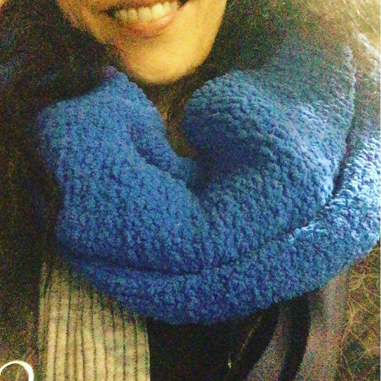Cómo me gusta el regalito de #helencapel de @lasfvintage azul y calentitooo