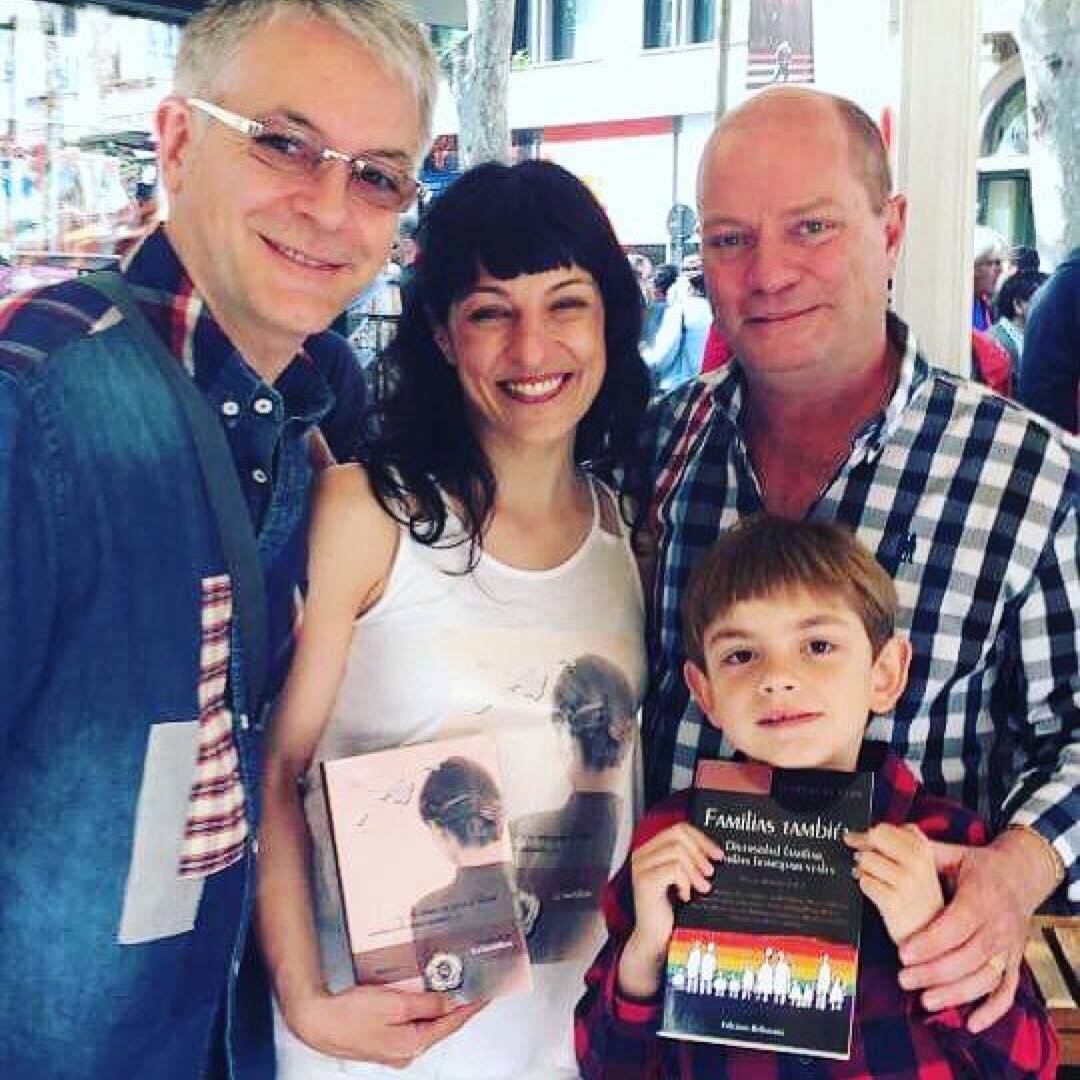 @familieslgtbi・・・Presents avui també a Les Rambles, amb la Roser, Josep, Xavi i Manel