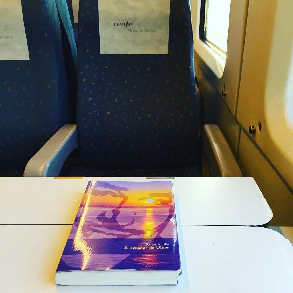RT @afromarc86 : ya estoy llegando a Barcelona!! Es una pasada lo rápido que vas si tienes un buen libro