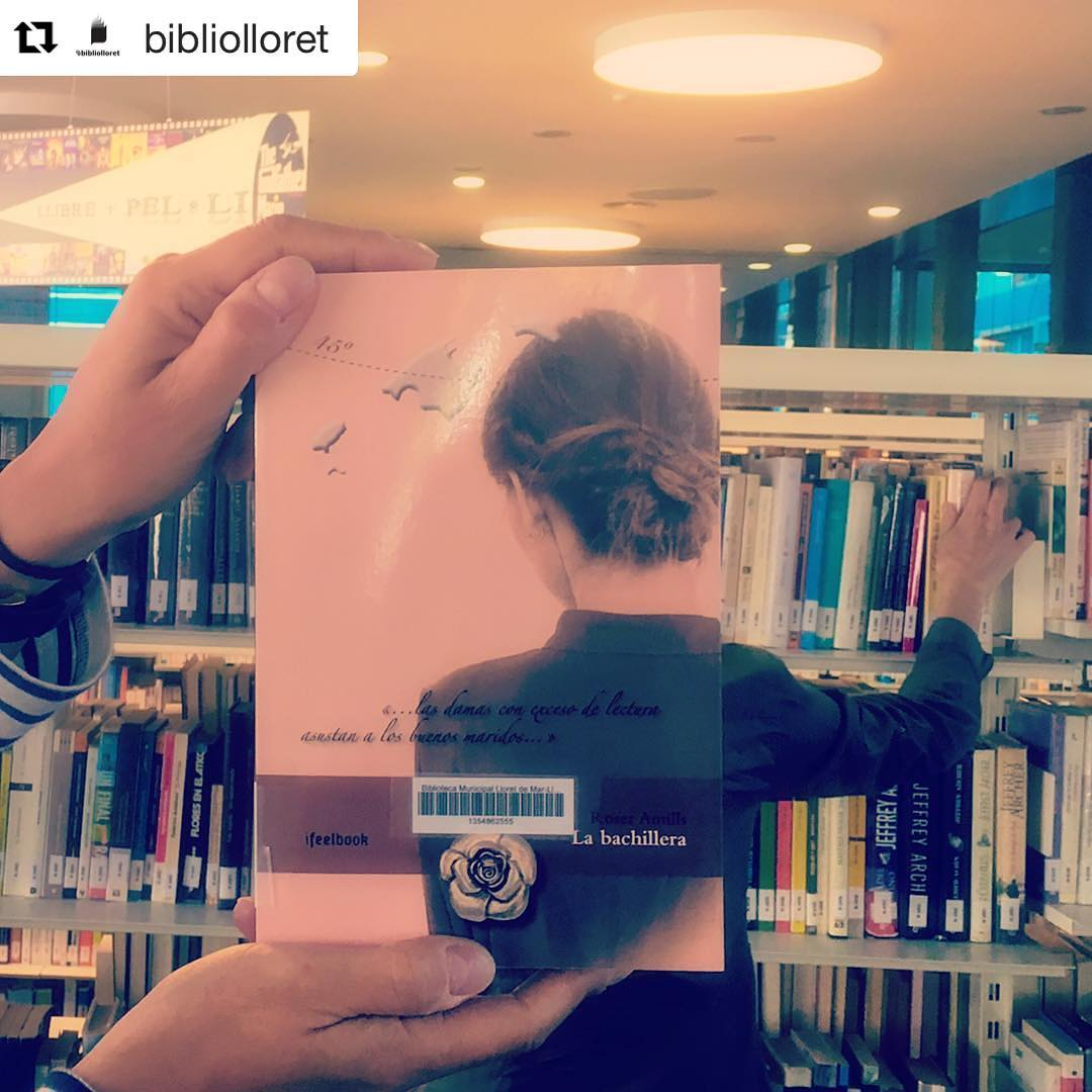 #Repost @bibliolloret ・・・ Avui és divendres! #bookfacefriday de #labachillera #quèfemalesbiblios #twbib #Labachillera #escritora #mallorquina #algaida #palmademallorca #clubdelectura #llibres #libro #books #bookshop #libreria #llibreria #bestseller #leermola #leeressexy #lecturas #booklover #bookstagram #cultura #regalalibros #regalallibres #mallorcainspira