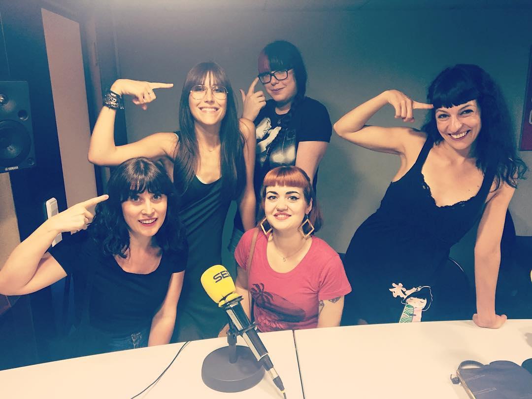Flequillos power a @lanit31416 amb @lyona_ivanova !! @la_ser