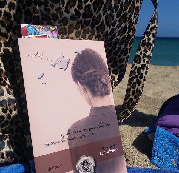 "Gracias @raulshrek70 !!! Dice: Avui #Labachillera ha anat a la platja! Hoy ""La bachillera"" ha ido a la playa! Today ""The bachillera"" has gone to the beach! #escritora #algaida #clubdelectura"