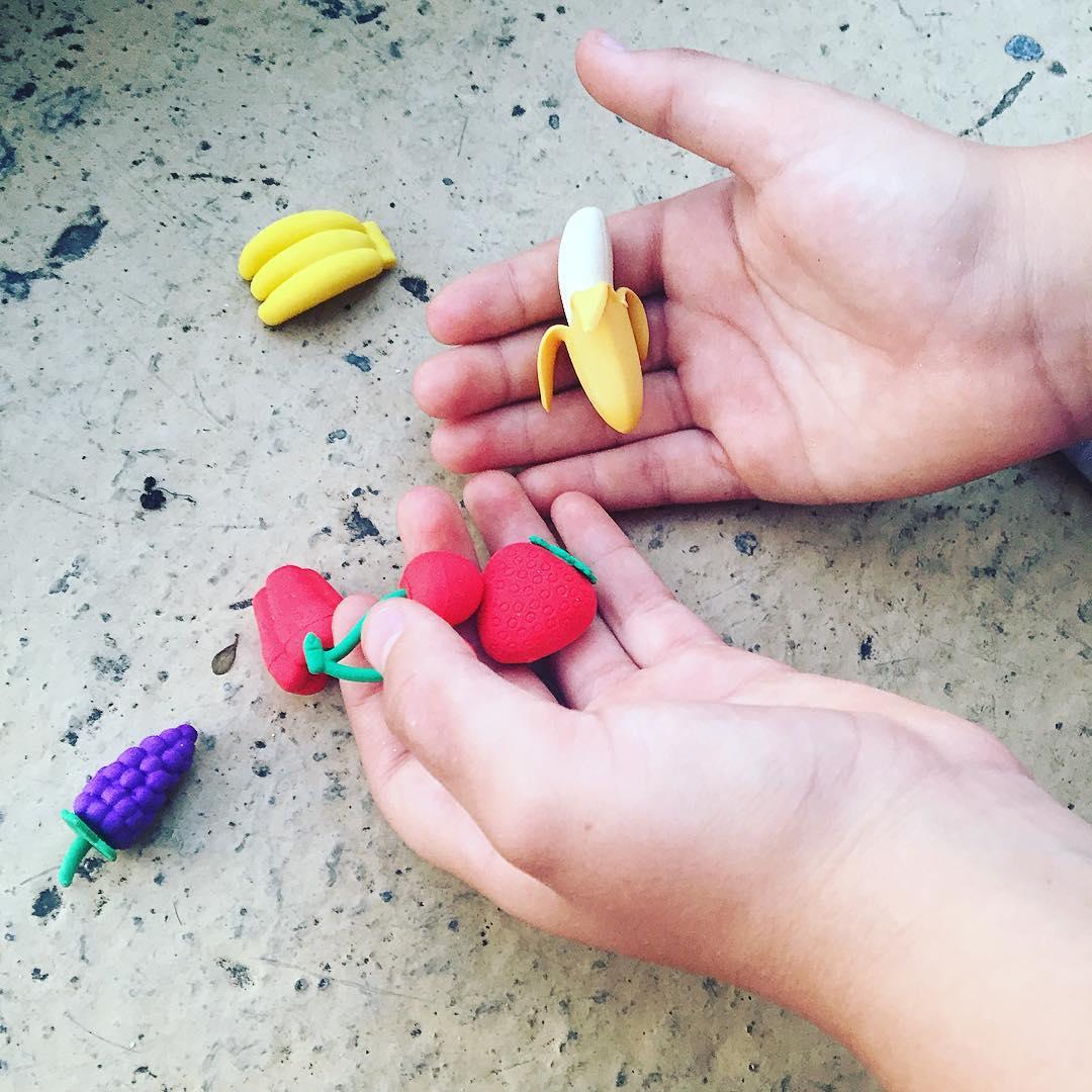 Hemos empezado la lista de compras para la #vueltaalcole De momento estas gomas de borrar ;))