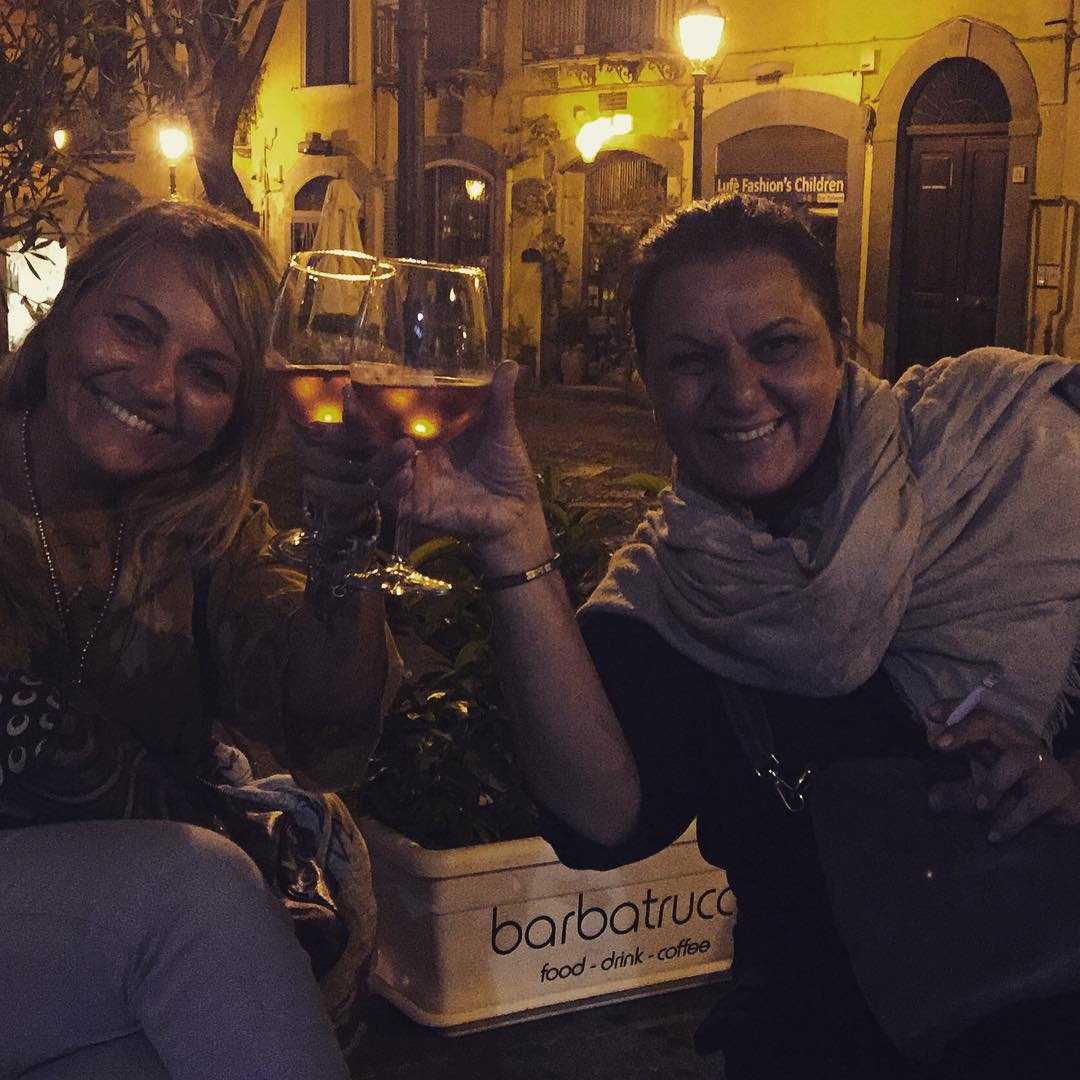 Dos nuevas amigas en #salerno :)) #barbatrucco