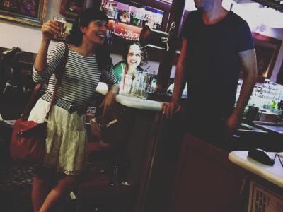 Si en el @bar_calders te invitan a una caña, di que sí :)) #eldiaquevamorirdavidbowie