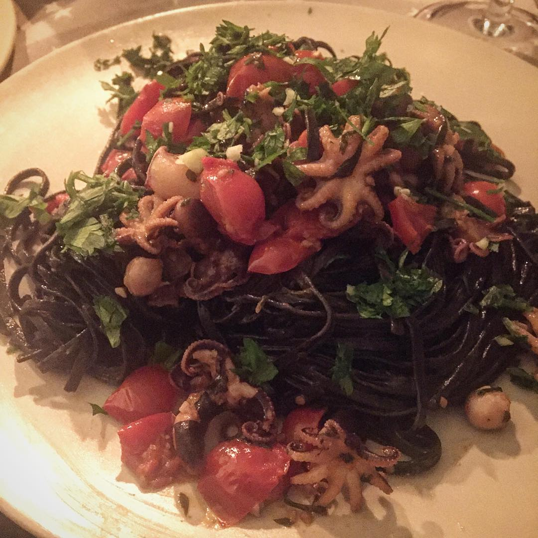 Y ahora, spaghetti al nero di seppia e polipetti affogati :))