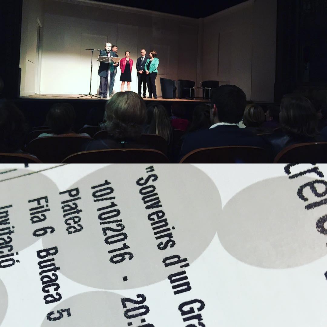 No em podia perdre en @bernardpivot1 al @Teatre_Romea. Gran aniversari de la @JaimesLlibreria ;))