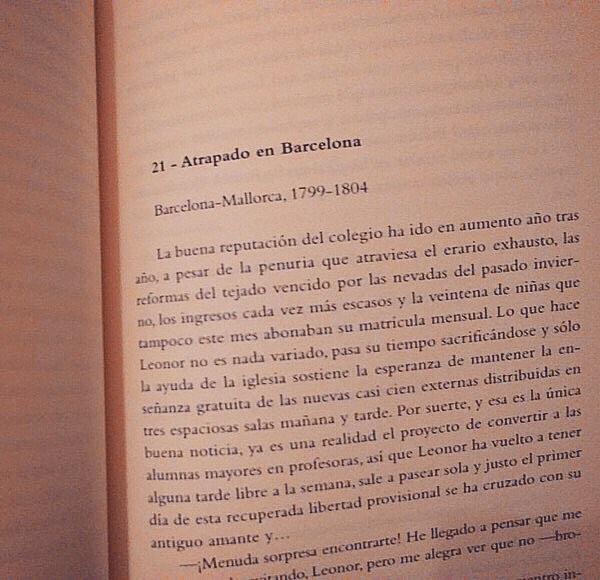 """Gracias @josepestape per llegir #labachillera!! #Repost """"Darreres cent pàgines del llibre, #labachillera amb un fons històric, però el millor és el relat del dia a dia dels actors intervinents. Mercès @roseramills. El proper quan?"""""""