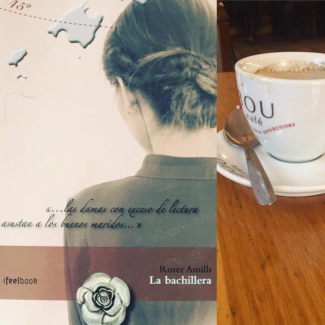 Un café, un libro, un fin de semana-puente muy largo...