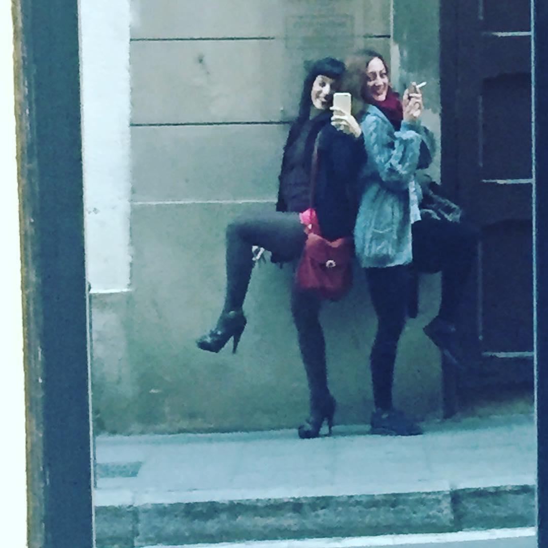Hemos descubierto una puerta de espejo @helencapel @lamadredelcomanche